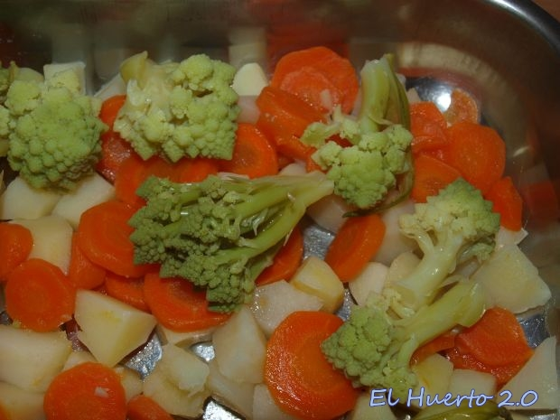 Patata, zanahoria, romanesco
