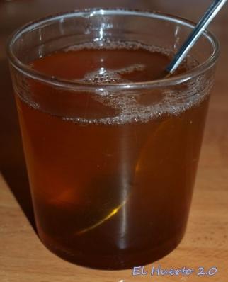 Un toque de  miel antes de beberlo